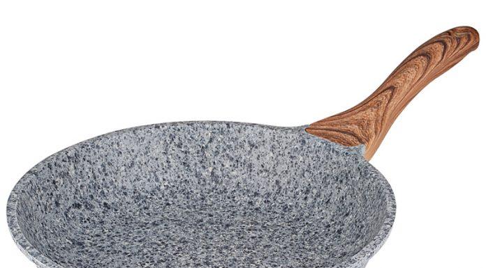 Patelnia granitowa dobra