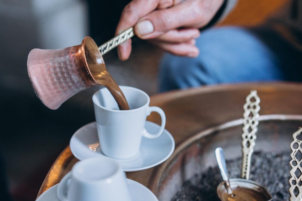 Parzenie kawy po turecku